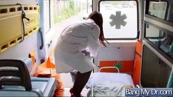 Asistenta medicala care trebuie sa intervina intr-un caz unde pacientul are nevoie de