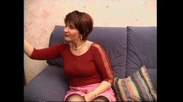 Femeie in varsta care primeste limbi la pizda de la un tanar