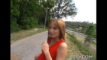 Prostituata de pa marginea drumului blonda ce accepta sa faca muie