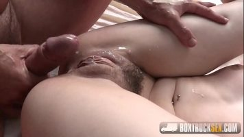 Partida de sex cu o domnisoara care ii place sa faca sex in public