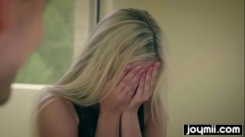 Blonda perfecta care iti poate oferi cele mai frumoase clipe impreuna